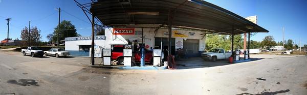 Santa Fe - Dusty Gas Station