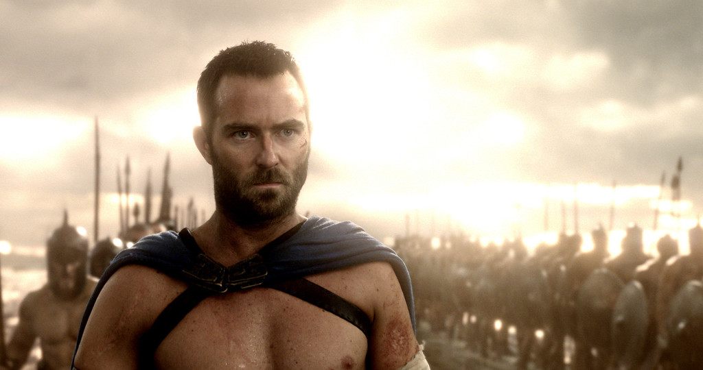 """. SULLIVAN STAPLETON as Themistokles in Warner Bros. Pictures� and Legendary Pictures� action adventure � \""""300: Rise Of An Empire,\"""" a Warner Bros. Pictures release."""