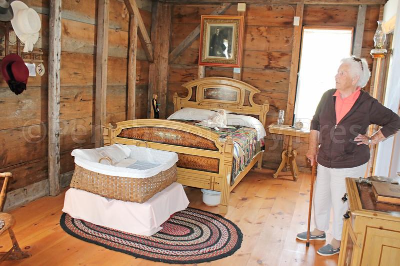 CP_Rose_Grindell_patriot_people_bedroom_set_072717_AB.jpg