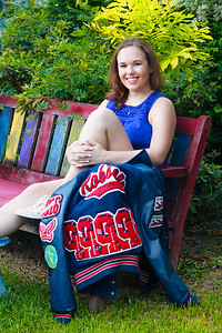 2016_Hanna-Robson_Senior-Photos-220_Final_5x7