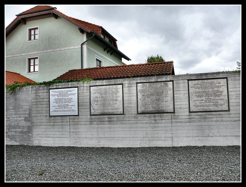 07-10578 AUS Mauthausen Gusen.jpg