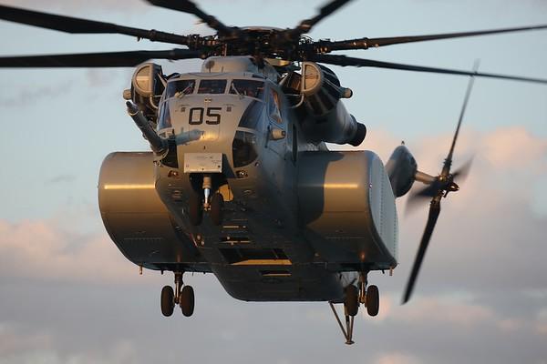 "US Navy MH-53E ""Sea Dragon"", Norfolk, 09Apr20"