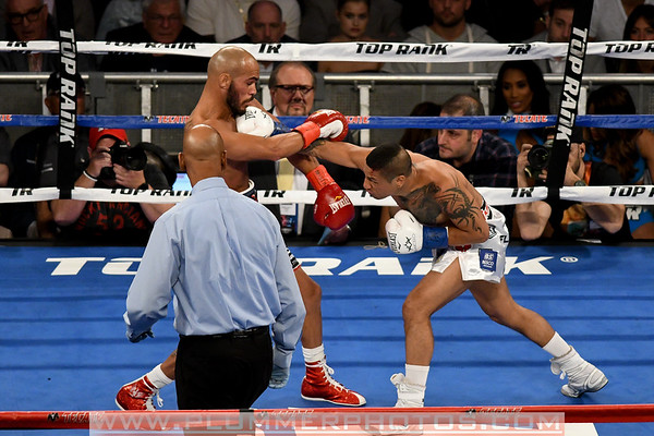 Ray Beltran Defeats Jonathan Maicelo by Second Round KO