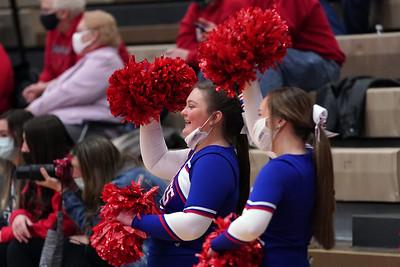 LB Cheerleaders at JV BBK home game (2020-12-18)