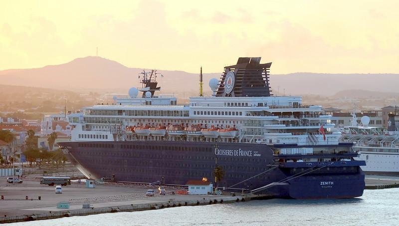Cruise 03-09-2016 Aruba 36.JPG