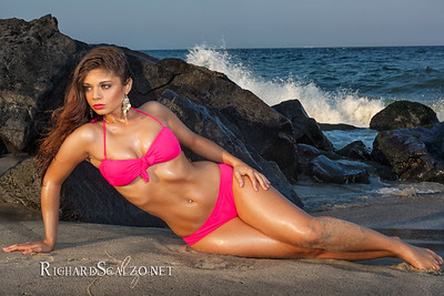 Photographer: Richard Scalzo Model: Arielle Editing: Richard Scalzo