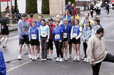 2005 Comox Valley Half Marathon - ComoxHalf2005-Al-Livsey-005.jpg