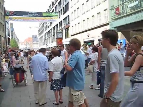 street_orchestra.avi