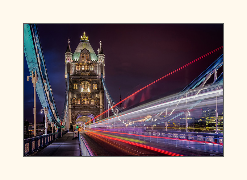 Tower Bridge - London.jpg