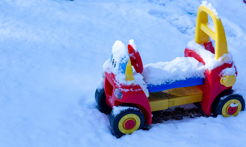 Snowy_playground small wheel car_covered snow.JPG