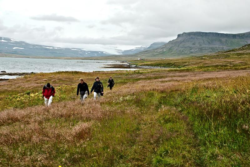 Gengið út að Kollsá.