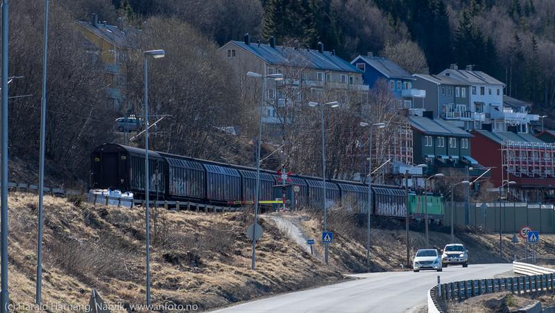Godstog på vei til Fagernesterminalen. 28. april 2016.