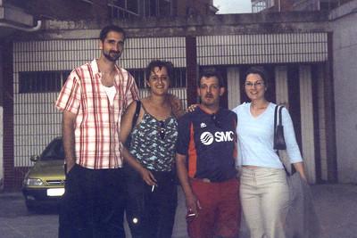 4 - Family & Friends (Familia y Amigos)