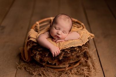 Filip • Newborn
