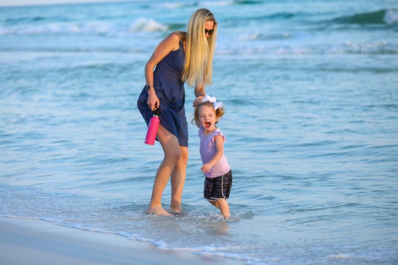 Harper at the beach-14.jpg