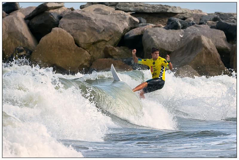 082314JTO__DSC0549_Surfing-Vans Pro-Luan Wood-RD3 3rd Heat 15.jpg