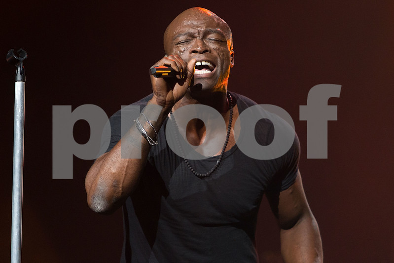 Seal in Concert - Los Angeles, Calif