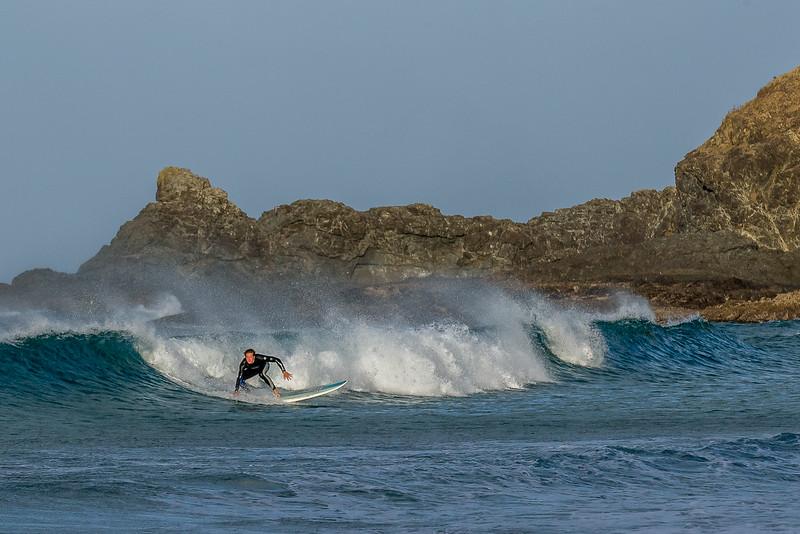 Der einsame Surfer in der Tapotupotu Bay