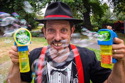 Festivale International Street Performers Small