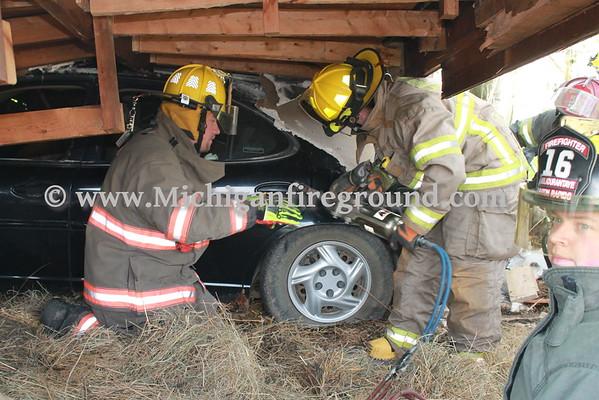 5/16/16 - Eaton Rapids firefighter training, 512 Bentley