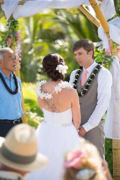 gillin beach kauai wedding-94.jpg