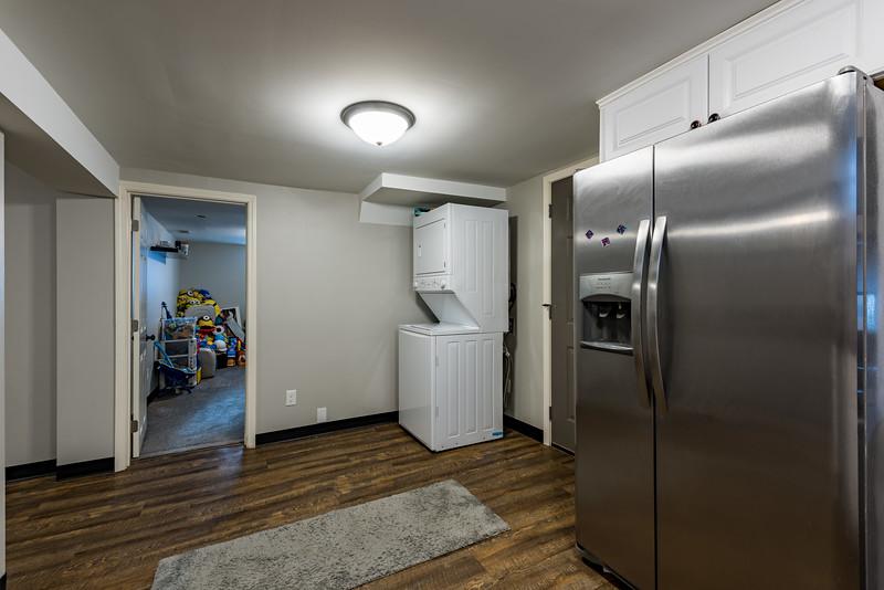 2820_12th_Ave_S_basement_apt-3.jpg