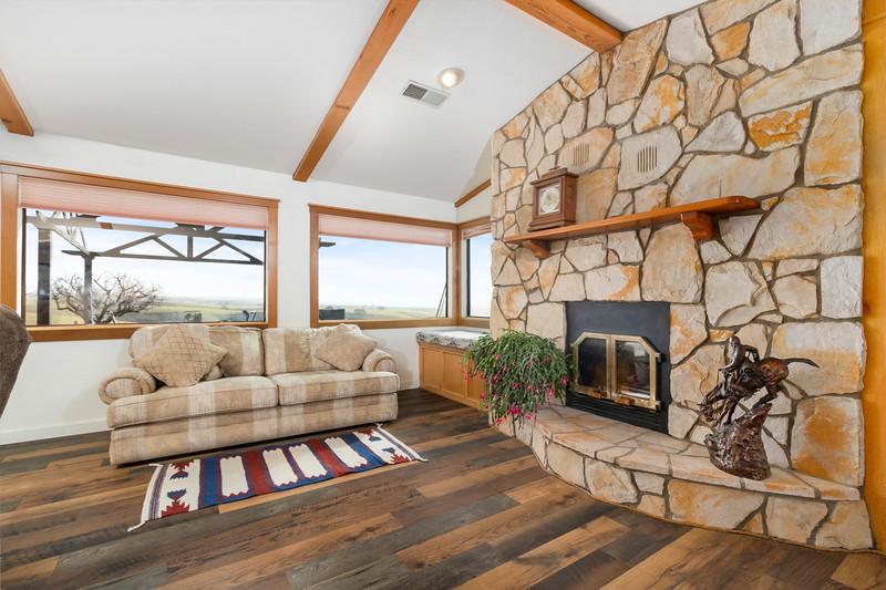 2210 Rancho Lomas 14 Living Room.jpg