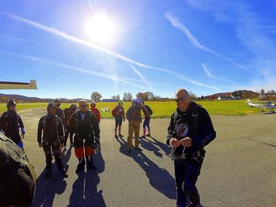 Skydiving 110418