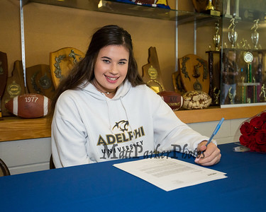 2019-4-30 WHS Dailyn Annis Signing Day Field Hockey @ Adelphi