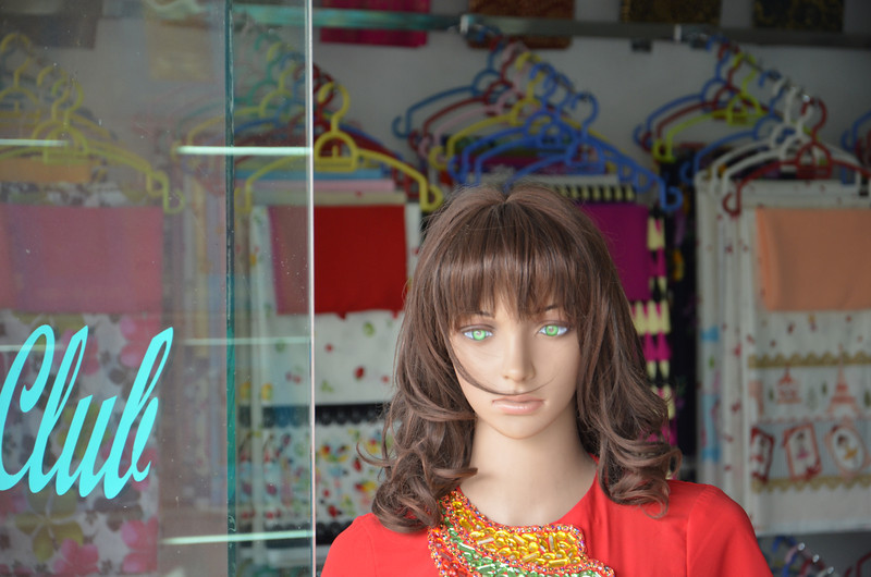 DSC_5012-creepy-mannequin.JPG