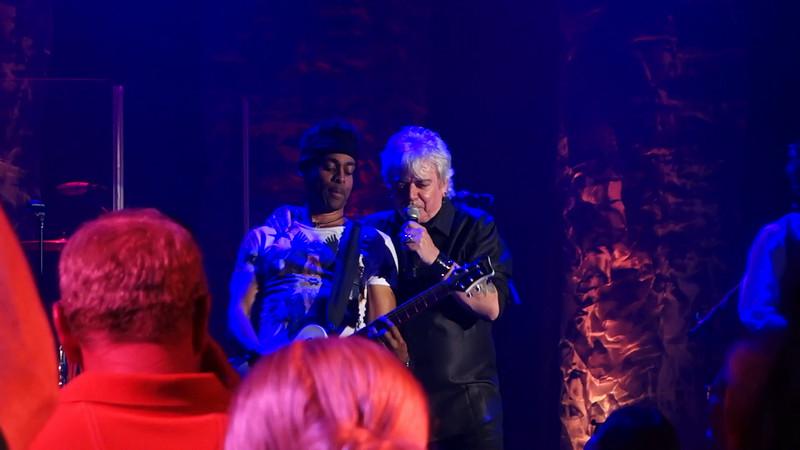 20140621_air-supply-concert-videos_009.MTS