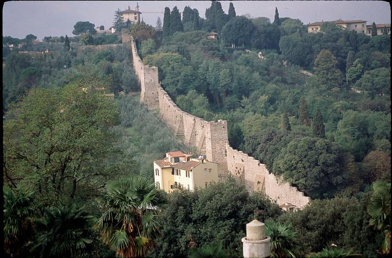 city wall of Firinze