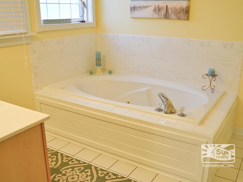 King Master Bathroom