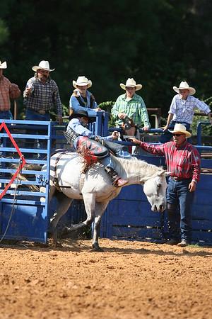 Bareback Saddle Bronc 09/09/2007