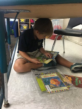 """We love """"Read to Self """" Center time"""