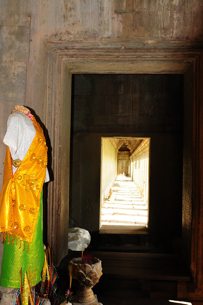 2013_Angkor_Wat_July   0012.JPG