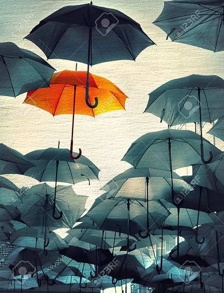 40627349-umbrella-standing-out-from-the-crowd-vintage-effect-photo-Stock-Photo.jpg