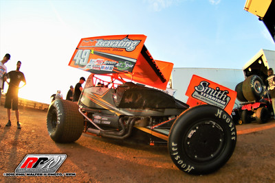 Williams Grove Speedway - 4/13/18 - Phil Walter II (Foto Bomb)