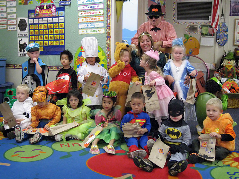 10/26 - Halloween party at Lili's Preschool.