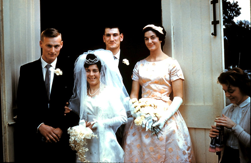 1961-8-19 (19a) Graham, Mary, Nigel & Elaine.JPG