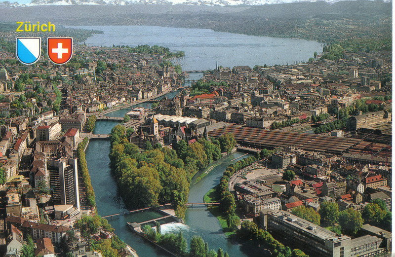 023_Zurich_Lake_Zurich_and_Alpes.jpg