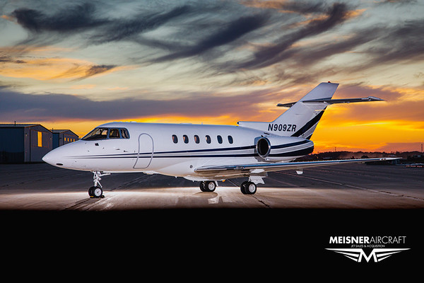 Hawker 800XP N909ZR (High Res w/Logo)