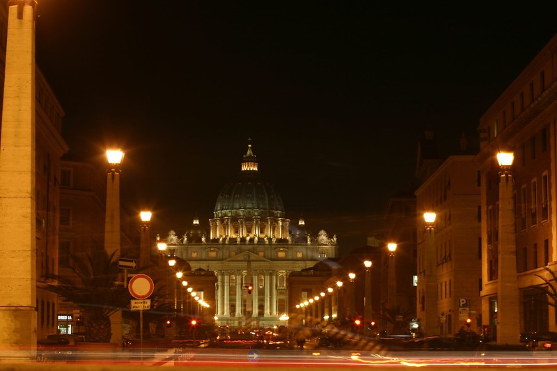 st-peters-at-night_2087209391_o.jpg