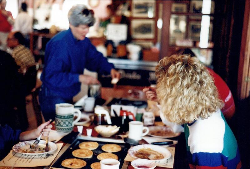 1989_December_pancake breakfast florida_0014_a.jpg