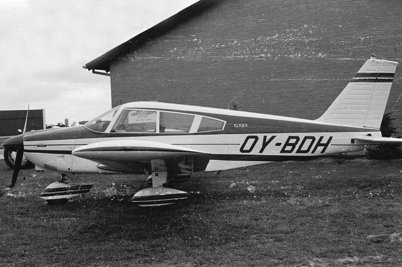 OY-BDH-PiperPA-28-180CherokeeE-Private-EKBI-1971-SHN40-14-KBVPCollection.jpg