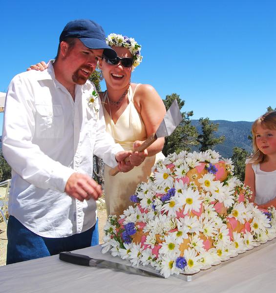 Kell & Ellen Cutting Cake2.jpg