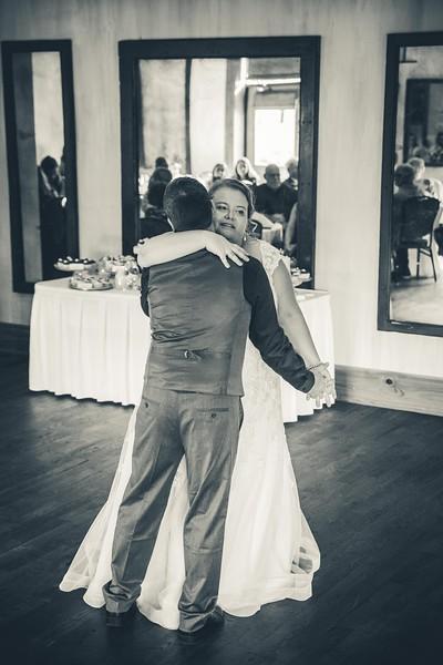 Beloit-WI-Ironworks-hotel-Wedding-Photographere_m_80.jpg