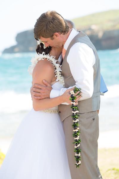 gillin beach kauai wedding-79.jpg
