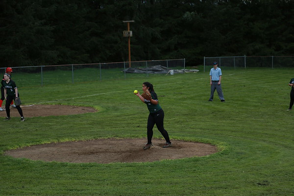 Softball vs. Neah-kah-nie