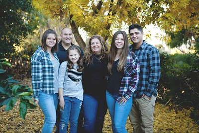 Rozsi Family Portraits